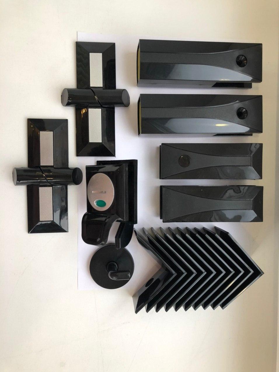Комплект фурнитуры для сантехнических перегородок Modern из пластика