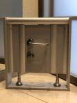 """Образец туалетной кабины """"Бизнес"""" из ЛДСП 25 мм с нажимной ручкой от Евростиль"""